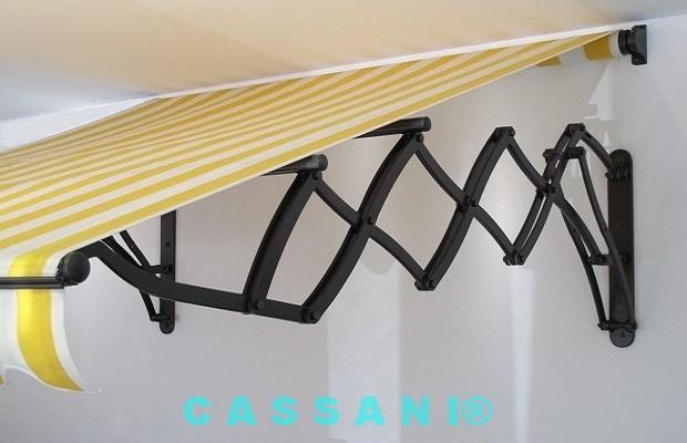 Jugendstilmarkise mit Scherenarmen im Markisenbau Cassani